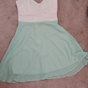 Lulu's strapless white green dress size small